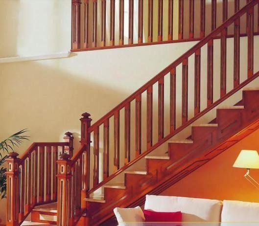 Mẫu cầu thang gỗ vuông cho sự nhẹ nhàng, đẳng cấp, sang trọng