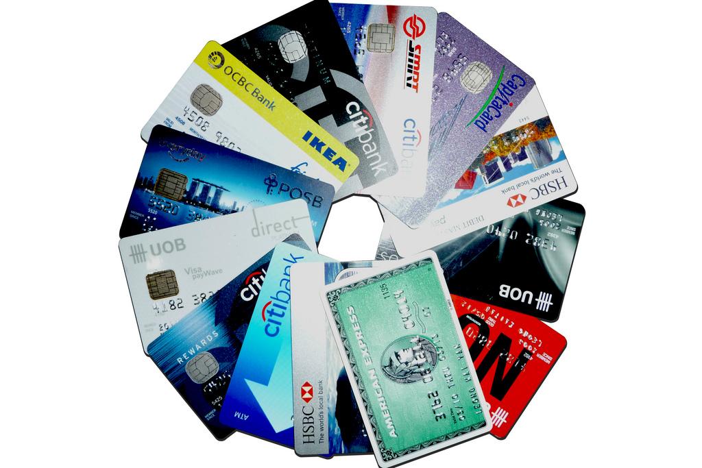 Thẻ tín dụng giúp ích gì cho tài chính cá nhân của bạn (1)
