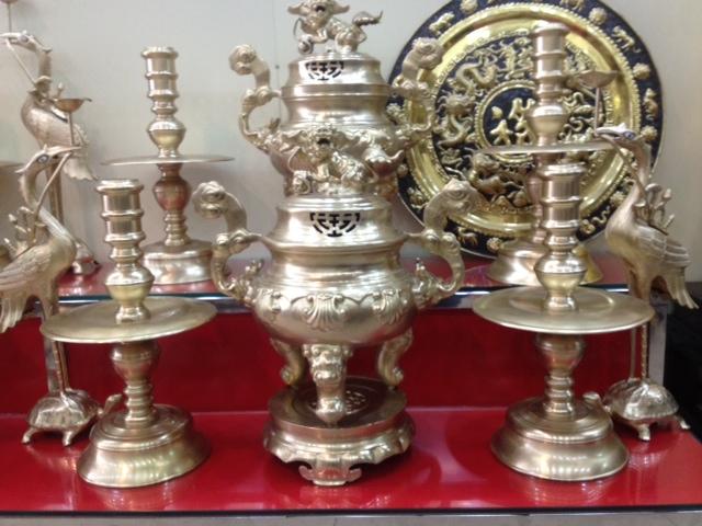 Kinh nghiệm chọn mẫu đồ thờ bằng đồng đẹp cho không gian thờ cúng trong gia đình (2)