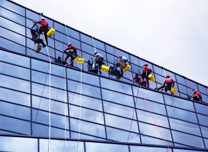 Vệ sinh công nghiệp tại Hà Nội nên chọn công ty nào